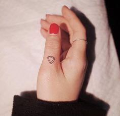 Tiny finger tattoos for girls; small tattoos for women; finger tattoos with meaning; Latest Tattoos, Trendy Tattoos, Tattoos For Women, Cool Tattoos, Tatoos, Awesome Tattoos, Little Tattoos, Mini Tattoos, Body Art Tattoos