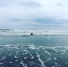 本日は朝から週末ハウス近くの九十九里で小学2年の息子とブギー&波乗り。 午前中は天気はイマイチでしたが、台風のスゥェル+無風 更に誰も居なくて最高でした。 息子もブギー一人で頑張っていました。 #サーフィン #ブギー #九十九里#波乗り  #surfing