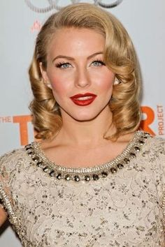 1950's style; love the hair