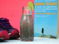 Known as liquid gold and a natural homemade Red Bull, Chia Fresca is a refreshing drink that'll give you energy to run like the Tarahumara in Born to Run. Chia Fresca Recipe, Born To Run, Create A Recipe, Liquid Gold, Refreshing Drinks, What To Cook, Meals For The Week, Healthy Recipes, Healthy Foods