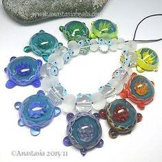 ANASTASIA-handmade-lampwork-beads-9-RAINBOW-TURTLES-SRA http://www.ebay.com/itm/262147184416?ssPageName=STRK:MESELX:IT&_trksid=p3984.m1555.l2649