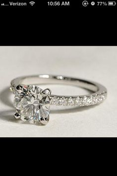 Beaaauuuutiful engagement ring
