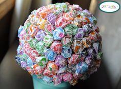 lollipop tree | Meet the Dubiens  http://inviteanddelight.blogspot.com/search/label/Christmas