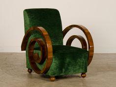 A pair of Art Deco period walnut armchairs from France image 2 Paar Art Deco Nussbaum Sessel aus Frankreich um 1930 Bild 2