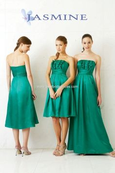 Bridesmaids floor-length in emerald jade with gold shoes