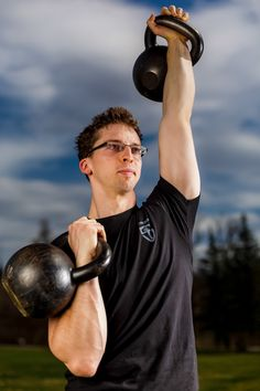 The Definitive Guide to Kettlebells and Bodyweight Training For The Busy Professional Neck Sprain, Body Weight Training, Kettlebells, Looks Great, Muscle, Weight Loss, Diet, Business, Fitness