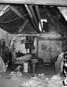 century cruck barn used by Ernest Wright, iron founder, Enterprise Foundry, No Wilson Place, Heeley Sources Of Iron, Industrial Development, Derbyshire, Sheffield, 16th Century, Rome, The Good Place, Old Things, Barn
