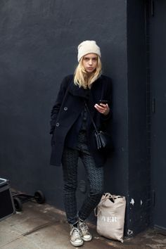 Diggin' the blonde hair and white beanie. And the scuffed up Converse.