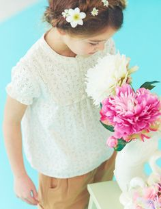 Love this combo for casual little girl outfit.    @BodenClothing Broderie Top Snowdrop