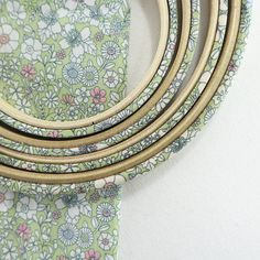 Green, Fabric Covered Embroidery Hoops. June Meadow Print - 9 inch / without glue