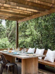 Pérgola - www.casaecia.arq - Cursos on line - Design de Interiores e Paisagismo / Jardinagem.