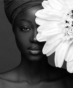 Beautiful portrait of by Photographer Make up Artist Wrap Styling ______ Black Girl Art, Black Women Art, Beautiful Black Women, Black And White Photography Portraits, Black And White Portraits, Beauty Photography, Portrait Photography, Wedding Photography, Foto Portrait
