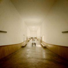 fernando tavora Arch Interior, Interior Architecture, Interior And Exterior, Interior Design, Meneses, Postmodernism, Building Materials, Outer Space, Perfect Place