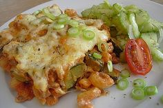 Pasta - zucchini - minced meat casserole from Tordia Vegetable Stew, Vegetable Recipes, Jamaican Recipes, Beef Recipes, Cabbage Stew, Mince Meat, Nutrition, Southern Recipes, Casserole Dishes