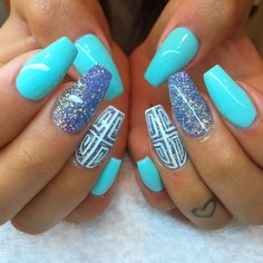 Nageldesign Sommer - 77 frische Fingernägel Ideen für jeden Geschmack Nail art design - parfait pour l Cute Summer Nail Designs, Cute Summer Nails, Pretty Nail Designs, Simple Nail Art Designs, Glitter Gel Nails, Blue Nails, Nail Manicure, Nail Polishes, Blue Glitter