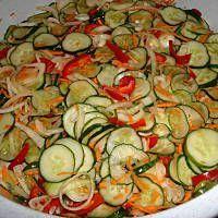 Sałatka szwedzka wg.przepisu babci Cecylii Ratatouille, Ketchup, Preserves, Pickles, Zucchini, Chili, Food And Drink, Cooking Recipes, Lunch