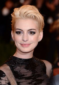 We can't stop staring at Anne Hathaway's new hair