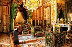 Napoleon's Bedroom - Chateau Fontainebleau. Amazing that such old furniture looks so incredibly modern with its graphic print and boxy silhouette.