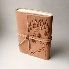 Kožený zápisník - originálny denník, hladenica, ručná práca / handmade book / bookbinding / long stitch / leather journal / notebook / diary / travel book / forest / pyrography