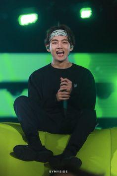 Bts love yourself taehyung cute bts Taehyung Selca, Bts Jungkook, Taehyung Cute, Bts Selca, Namjoon, Daegu, K Pop, Foto Bts, Baby Popo