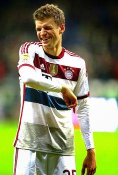 Thomas Muller of Bayern Munich Chelsea Football Team, Football Is Life, Football Soccer, Thomas Muller, German Boys, Fc Bayern Munich, Liverpool Fc, Football Players, My Boys
