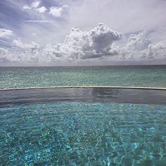 La vita ha bisogno di acqua... più blu del blu! #lavitahabisognodicaraibi #caraibi