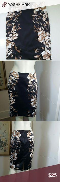 New WHITE HOUSE BLACK MARKET SKIRT Brand new w/ tag  28 waist 22 length  98% polyester  2% spandex White House Black Market Skirts Midi