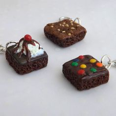 Brownie Charms, Food Charms, Polymer Clay Food, Fudge Brownie,... ($8) ❤ liked on Polyvore featuring jewelry, pendants, clay jewellery, charm pendants, mini charms, charm jewelry and clay charms
