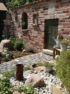 Fesselnd Brick Wall, Outdoor Gardens, Homesteading, Outdoor Living, Lisa, Bricks,  Garden Walls, Backyard Patio, Garden Tool Storage, Garden Gnomes, Lean To,  ...