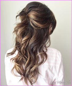 Curly half updo for long hair. curly half updo for long hair of wedding hairstyles Down Do Wedding Hair, Wedding Hairstyles Half Up Half Down, Wedding Hairstyles For Long Hair, Wedding Hair And Makeup, Prom Hairstyles, Trendy Hairstyles, Hairstyle Ideas, Classic Hairstyles, Half Up Hairstyles