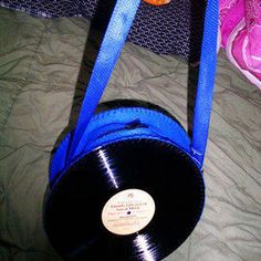 Things to make with vinyl records on pinterest vinyl for Things to make with old records