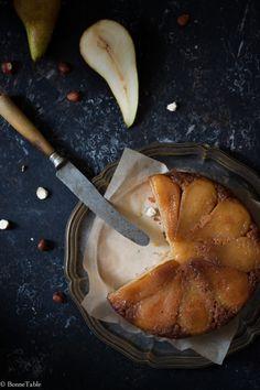 Gâteau renversé aux poires, poivre de sichuan et noisettes / Upside-Down Cake with Pears, Sichuan Pepper, and Hazelnuts