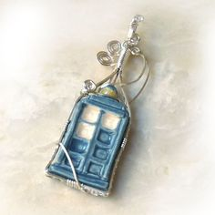 Dr. Who  TARDIS  Pendant ... Cool