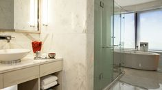 Le Meridien, New Delhi- Executive_Suite_Bathroom- Most suites use marble for their bathrooms for the right reason- nothing else lends class like marble