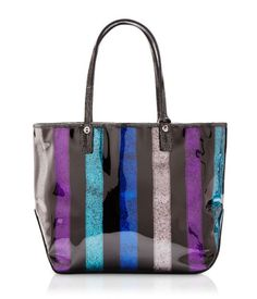 I have been wanting this bag since we went to New York! Amazing price for Henri Bendel too!