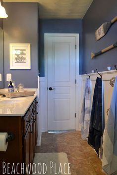 A Nautical Bathroom Retreat! - Have you ever taken a vacation to a boathouse on the lake? Ah... doesn't that sound so nice and peaceful? That's what I wanted to