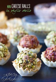 We all could use a few crowd-pleasing party snack ideas this time of year, and this Mini Cheese Ball Recipe served in crispy little phyllo shells is fun to serve and even more fun to eat! ~ Makes 40 cheese balls. Finger Food Appetizers, Yummy Appetizers, Appetizers For Party, Finger Foods, Appetizer Recipes, Mini Cheese Balls Recipe, Cheese Ball Recipes, Tapas, Fromage Cheese