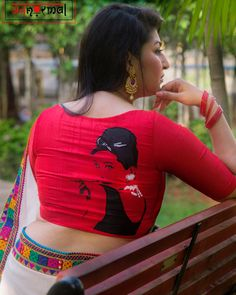 We found this really cool brand called अबnoरmal (Abnormal) from where you can get different and quirky saree blouse designs for parties New Saree Blouse Designs, Blouse Back Neck Designs, Fancy Blouse Designs, Saree Blouse Patterns, Sari Blouse, Sarees, Lehenga, Robotics, Fabric Painting