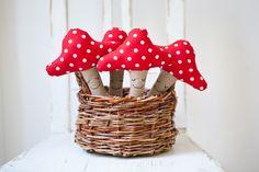 www.diebuntique.at Oct 29, Baby Toys, Stuffed Mushrooms, Basket, Vienna, Illustration, Instagram Posts, Red, Handmade