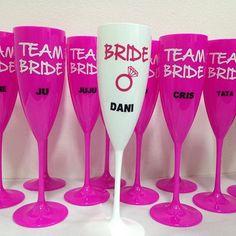 Bride & Team Bride  Preparaçao para as despedidas do feriado #countdown #tacapme #taça #bride #teambride #casamento #noivas #noivas2016 #wedding #chadepanela #chádelingerie #noiva #madrinhas #damadehonra #chabar #chadecozinha #feriado #tiradentes