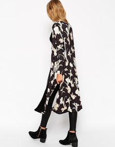 ASOS Petite | ASOS PETITE - Kimono à imprimé iris chez ASOS