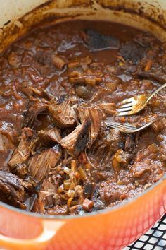 I want a warm bowl of this right now. Boneless Short Rib Ragu - get this simmering and then let it just cook away for hours til it shreds. It's not beautiful, but it tastes WONDERFUL! Great over mashed potatoes, rice or homemade french fries. Pork Recipes, Slow Cooker Recipes, Crockpot Recipes, Cooking Recipes, Beef Dishes, Food Dishes, Main Dishes, Ragout Bolognese, Gastronomia
