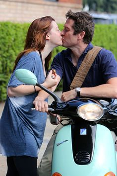 True Romance    Alyson Hannigan and her hubby Alexis Denisof share a kiss in Beverly Hills on September 27.
