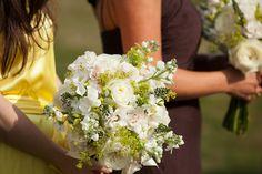 A Hamptons Backyard Wedding | The Hamptons Weddings | Photography by Berit Bizjak of Images by Berit | The Hamptons Wedding Photographer | Wedding Flowers | Wedding Bouquet | Wedding Floral Arrangement | @kimjondesigns