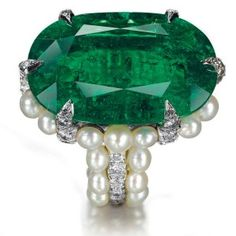 Big emerald rign, with PEARLS and  diamonds!