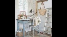 10 Cute Vintage Small Home Office Ideas www.dawoodz.com