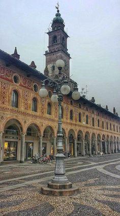 Castello Sforzesco . Milan