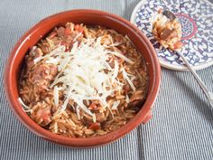 Youvetsi (Greek Meat and Orzo Stew). Youvetsi is a delicious Greek stew made with beef or lamb and orzo cooked in a tasty tomato-based sauce. It's flavorful comforting and easy Lamb Recipes, Greek Recipes, Chili Recipes, Soup Recipes, Dinner Recipes, Cooking Recipes, Dinner Ideas, Savoury Recipes, Slow Cooking
