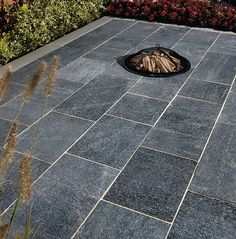 Natural Paving Products (UK) Ltd is the UK's leading independent supplier of high quality, ethically sourced natural stone landscaping products. Backyard Garden Landscape, Garden Landscape Design, Garden Paths, Stone Landscaping, Landscaping With Rocks, Landscaping Ideas, Contemporary Tile, Contemporary Garden, Modern Garden Design
