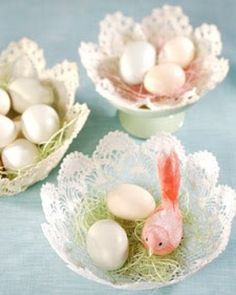 Not only are these beautiful baskets perfect for Easter, but they also can be displayed year-round. decorations martha stewart 21 of Our Best Easter Basket Ideas Doilies Crafts, Paper Doilies, Easter Table, Easter Eggs, Spring Crafts, Holiday Crafts, Holiday Ideas, Martha Stewart Manualidades, Easter Crafts